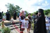 У селі Райках Владика Никодим освятив наріжний камінь під будівництво нового храму.