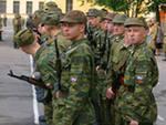Священик закликав Боже благословення на учасників спортивних змагань у військовій частині.
